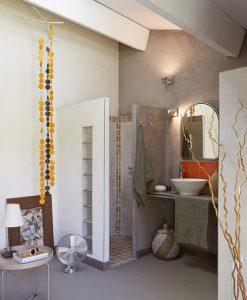 Vue salle d'eau chambre 2 chambres d'hôtes en Provence