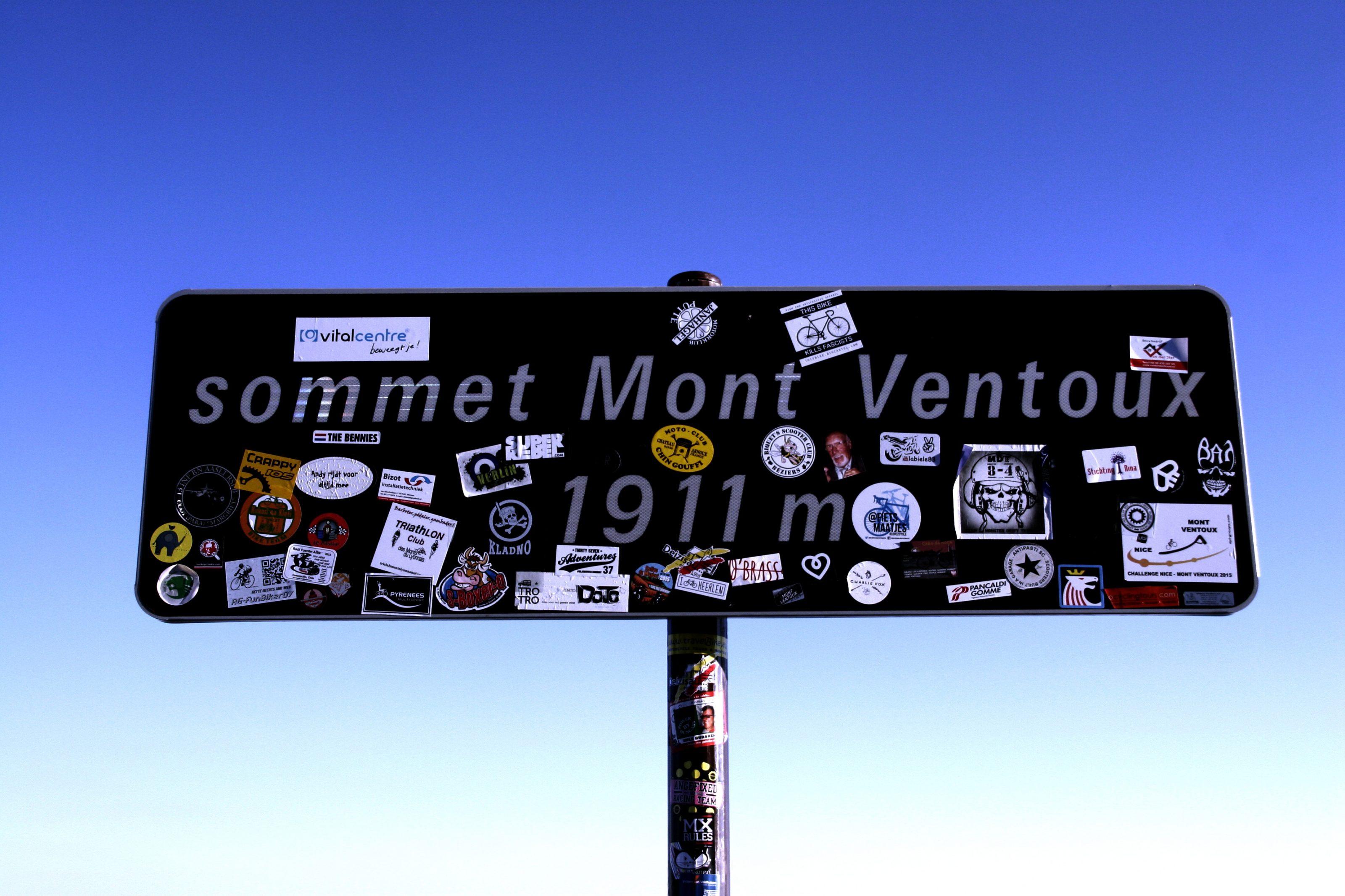 Panneau sommet du Mont Ventoux proche Au coin des figuiers chambres d'hôtes en Provence