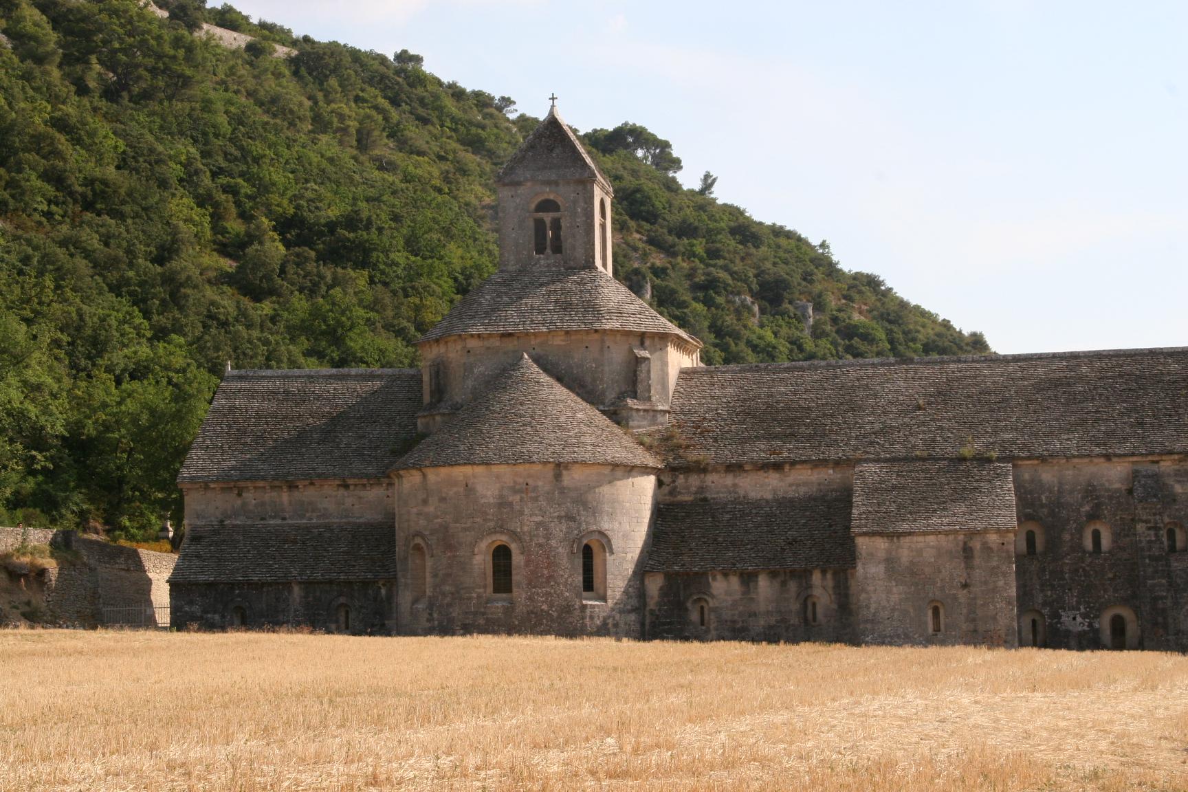 Abbaye de Sénanque proche Au coin des figuiers chambres d'hôtes en Provence