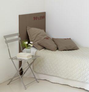 Vue lit chambre 3 Au coin des figuiers chambres d'hôtes en Provence